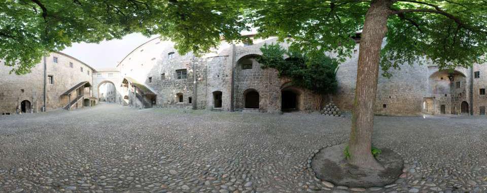 Burg Burghausen - Burghof